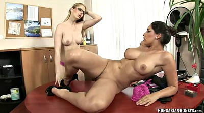 Eating pussy, Office lesbian