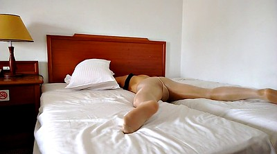 Hotel, Gay pantyhose
