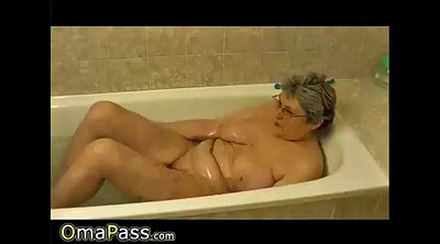 Granny solo, Masturbation hairy