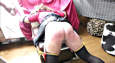 Crossdresser, Spanking hard