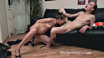 Licking, Hairy lesbians