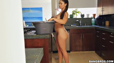Kitchen, Big booty latina