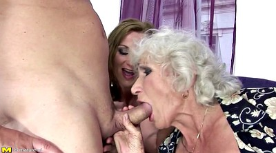 Pissing, Old mom, Mature piss