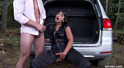 Tera, Outdoor pissing, Pissing outdoor, Pee outdoor, In the car