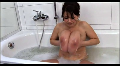 Huge tits, Washing