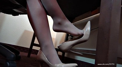 Pantyhose feet, Laura