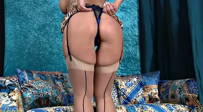Stockings hd, Stockings solo