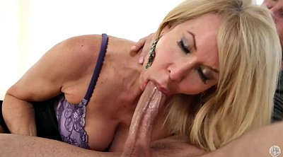 Blond, Mature mom