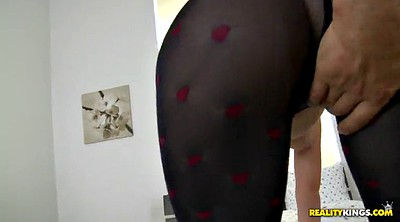 Pantyhose sex, Lick pussy