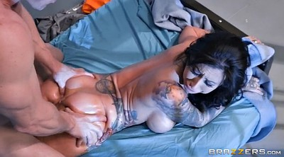 Pussy, Lily lane