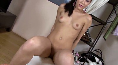Teen solo, Showing pussy