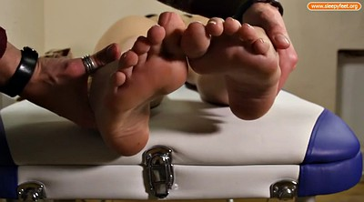 Nylon, Nylon feet, Sleepy