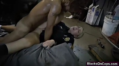 Black tits, Cops
