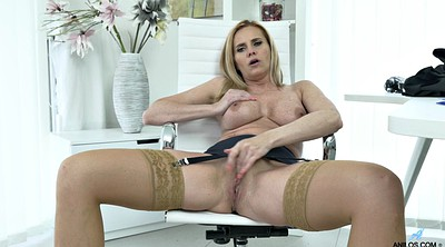 Stockings mature, Mature stockings