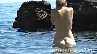 Nudist, Flashing