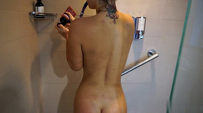 Slim, Shower solo