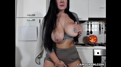 Camgirl, Huge boobs
