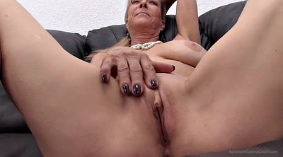 Strip, Mature masturbate