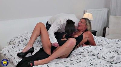 Hot mom, Cock sucking