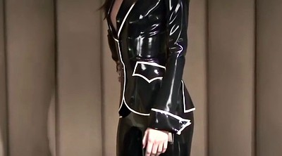 Latex, Suit