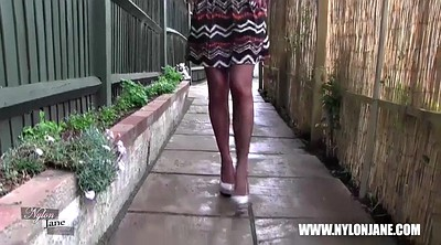 Nylon feet, Tall, Walking