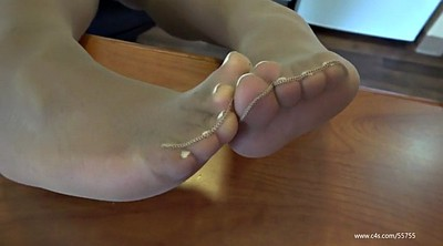 Nylon feet, Pantyhose feet