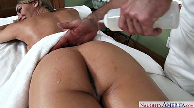 Nicole aniston, Massager