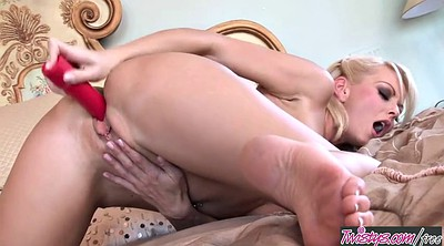 Twistys, Masturbating