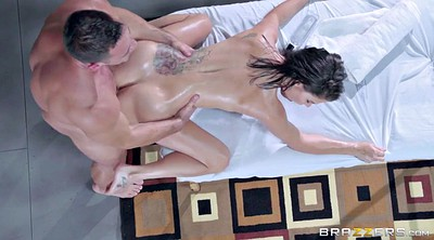 Peta jensen, Oil massage