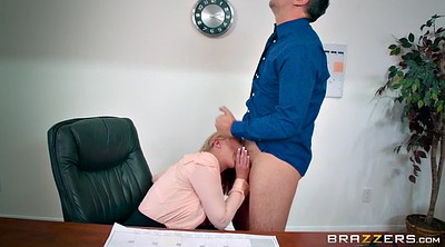 Brooklyn chase, Clothed