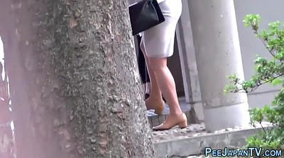 Japanese public, Outdoor peeing