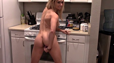 Sister, Kitchen
