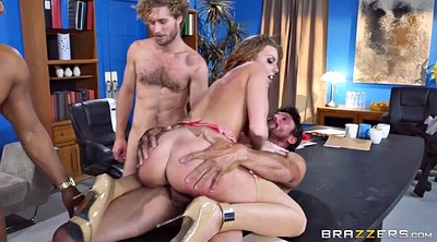 Group, Britney amber