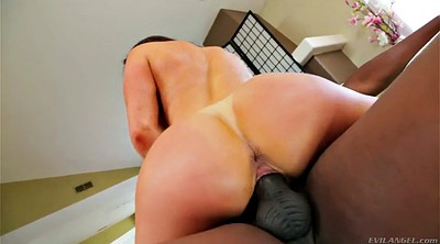 Piercing, Kendra lust, Flexing