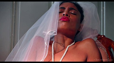 Bride, Ebony solo, Black solo