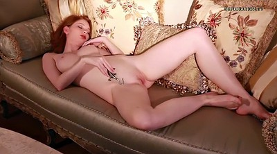 Redhead solo, Naked show