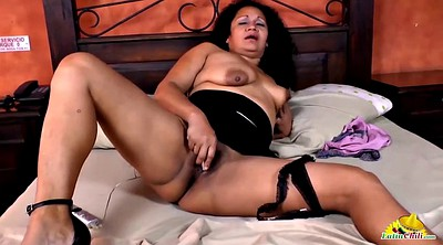Mature masturbating, Latinas