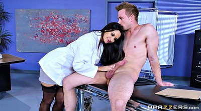 Ava addams, Uniform