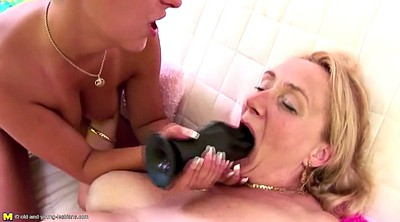 Mom and daughter, Mom lesbian, Young daughter, Mom and daughter lesbian, Mad, Lesbian piss