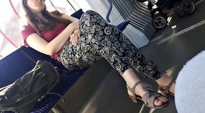 Bus, Teen feet