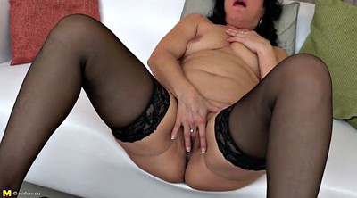 Big clit, Mature mom