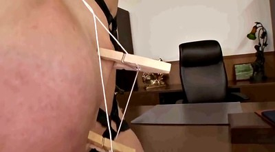 Hitomi, Tit torture