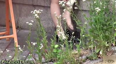 Pissing, Heels, Japanese outdoor, High heels, Japanese public, Japanese pissing