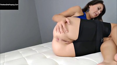 Solo babe, Farting, Yoga pants