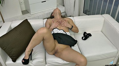 Masturbation, Undress