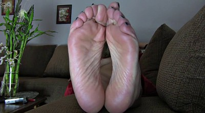 Mature feet, Mom feet