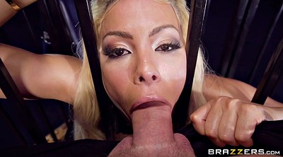 Luna star, Cage, Caged