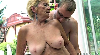 Granny hairy, Outdoor hairy