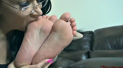 Feet worship, Worship, Foot worship