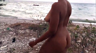 Naked public, Beach ass